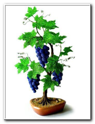 Виноград из бисера.